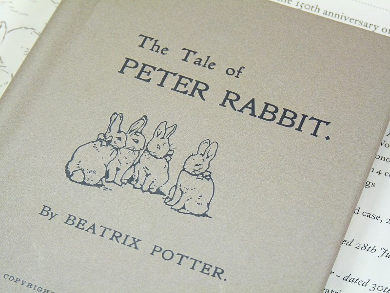 Beatrix_Potter_150_Book_Closeup