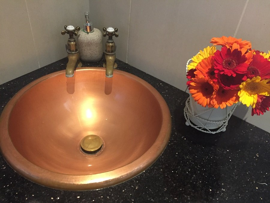 Even the sink is trendy!