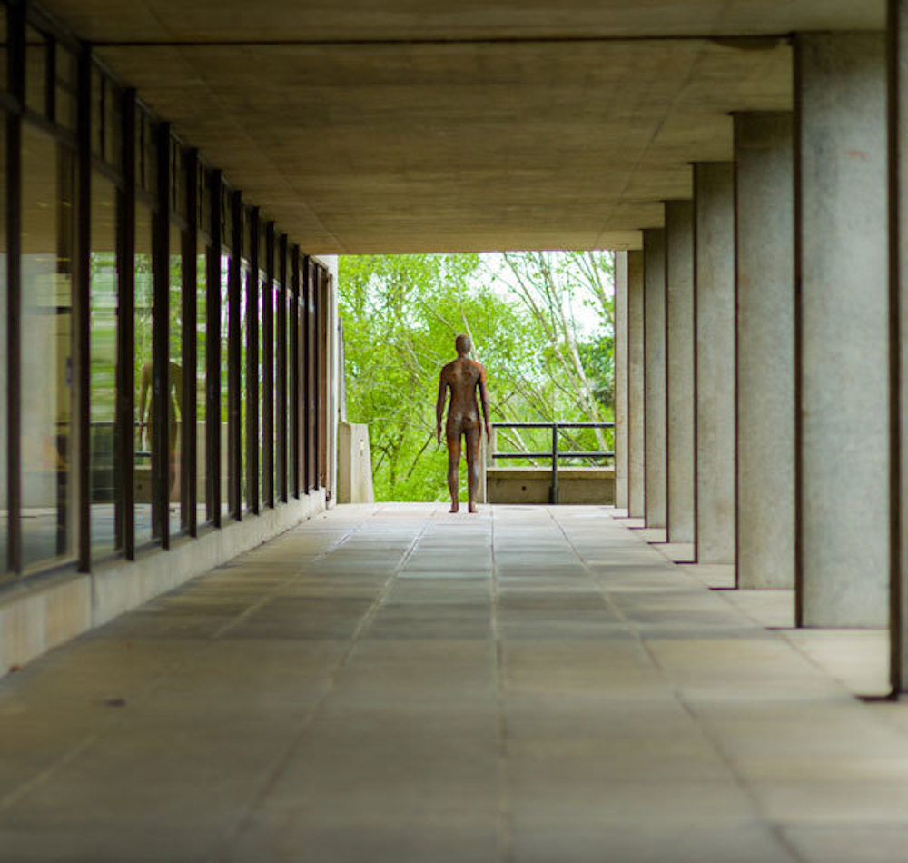 Anthony Gormley pillars sculpture