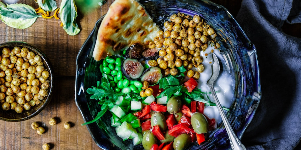 pitta peas chickpeas olives peppers
